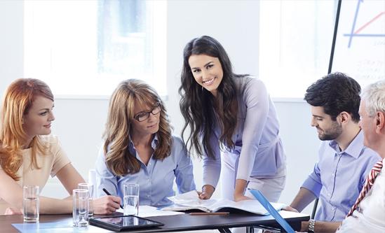 Especializada em mapeamentos de mercado, executive search/hunting, e projetos de contratação.